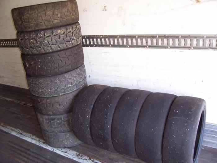 pneu 17 pouces pi ces et voitures de course vendre de rallye et de circuit. Black Bedroom Furniture Sets. Home Design Ideas