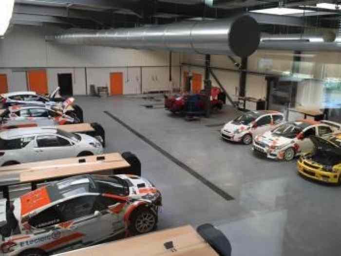 location voiture de rallye pi ces et voitures de course vendre de rallye et de circuit. Black Bedroom Furniture Sets. Home Design Ideas
