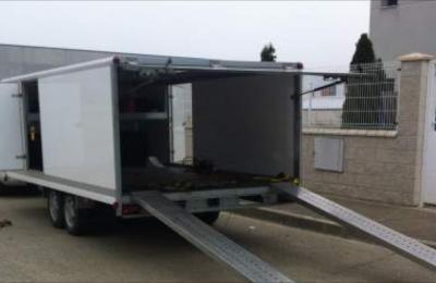 Remorque fermée double essieux