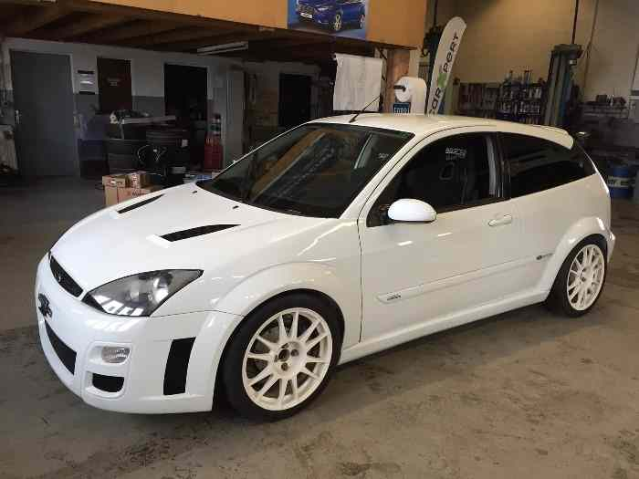 ford focus rs cosworth 4x4 pi ces et voitures de course vendre de rallye et de circuit. Black Bedroom Furniture Sets. Home Design Ideas