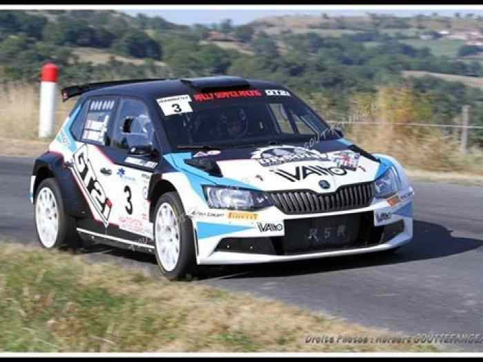 rally service racing loue 2 skoda r5