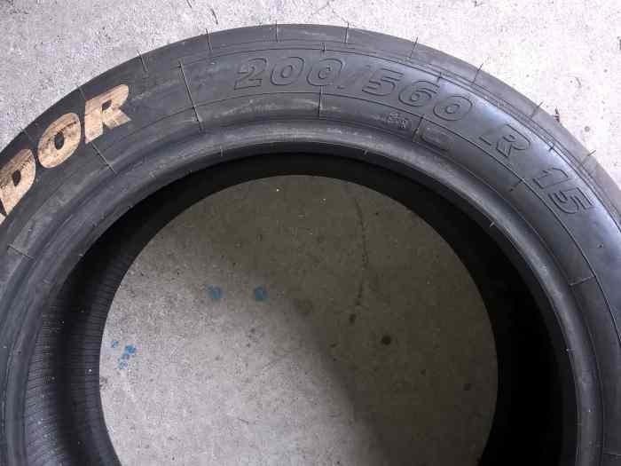 pneus slick pour loisir pi ces et voitures de course vendre de rallye et de circuit. Black Bedroom Furniture Sets. Home Design Ideas