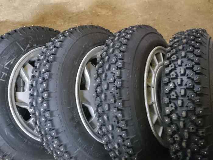 pneus clous canonica pi ces et voitures de course vendre de rallye et de circuit. Black Bedroom Furniture Sets. Home Design Ideas