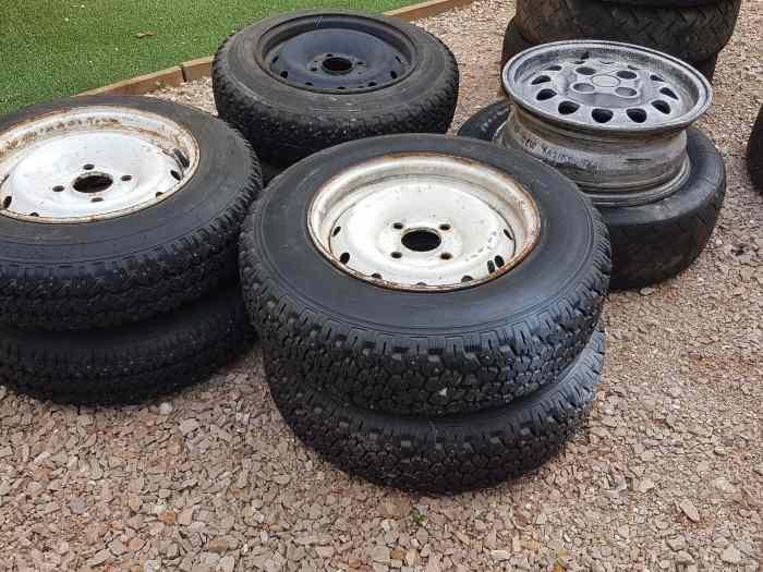lots 19 pneus rallye sur 16 jantes saxo vts 106 16s pi ces et voitures de course vendre. Black Bedroom Furniture Sets. Home Design Ideas