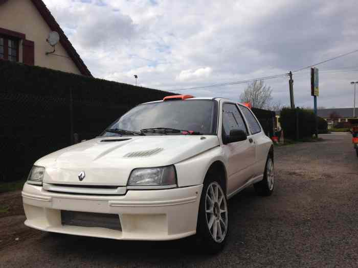 RENAULT CLIO  1  F2000 VOIX LARGE A FI...