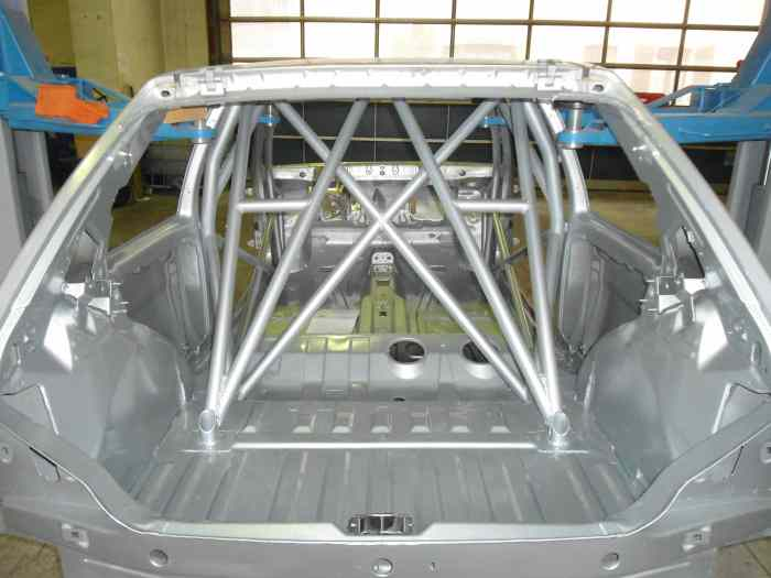 Caisse de 106 xsi pi ces et voitures de course vendre for Interieur 106 xsi