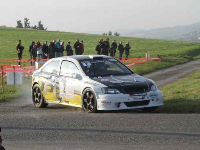 VENDS OPEL ASTRA KIT CAR 4