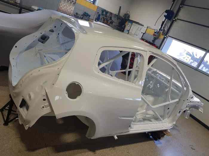 CAISSE Renault Clio R3C chassis – new painted