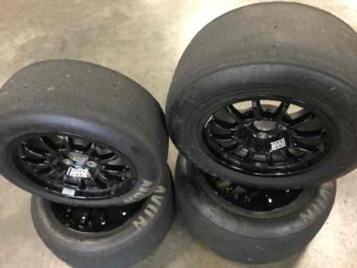 4 pneus slick avon occasion en 13 pour proto cm pi ces et voitures de course vendre de. Black Bedroom Furniture Sets. Home Design Ideas
