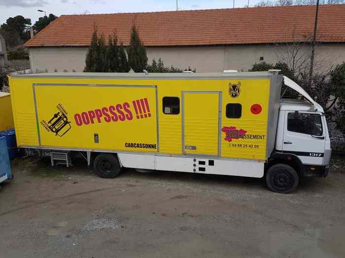 Mercedes 1317 vsap caravane avec garag for Garage 4x4 ardeche