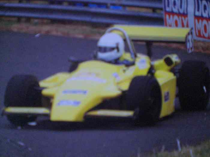 FORMULE 3 RALT RT3 CHASSIS ROULANT AVE...