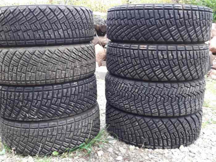 pneus terre 15 pouces pi ces et voitures de course vendre de rallye et de circuit. Black Bedroom Furniture Sets. Home Design Ideas