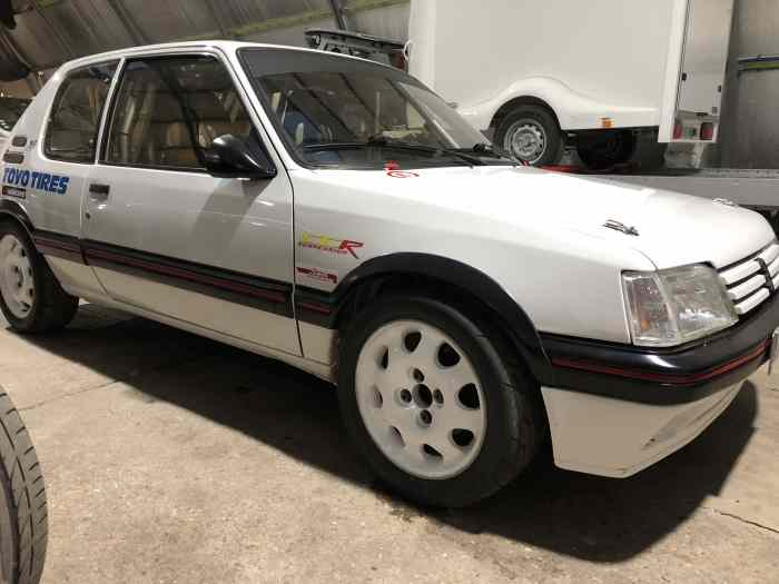 Peugeot 205 Groupe A