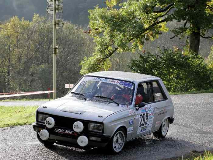vends PEUGEOT 104 ZS groupe 2