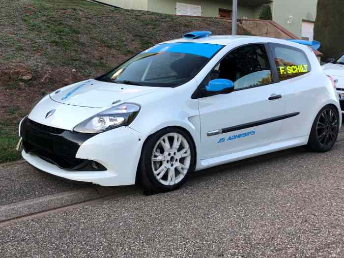 Clio 3 cup x85