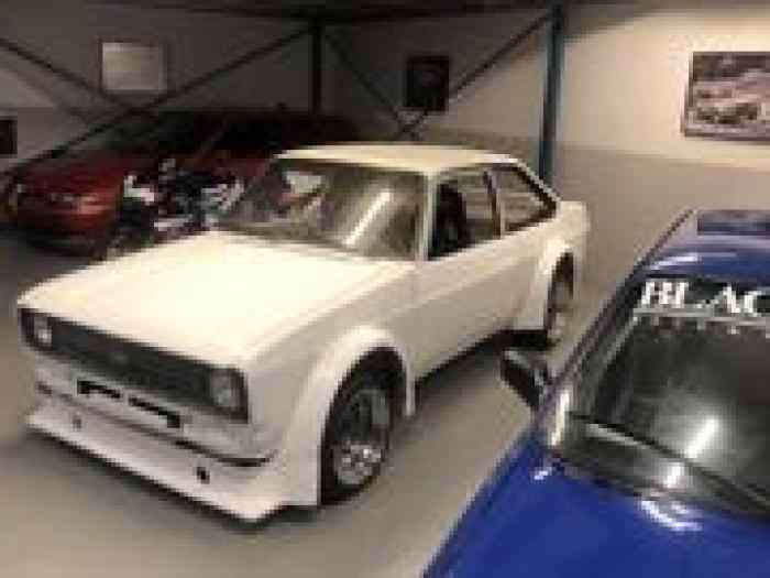 Ford Escort RS2000 light weight projec...
