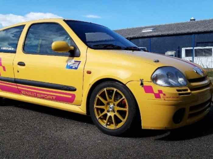 Renault clio 2rs1 F2000/14