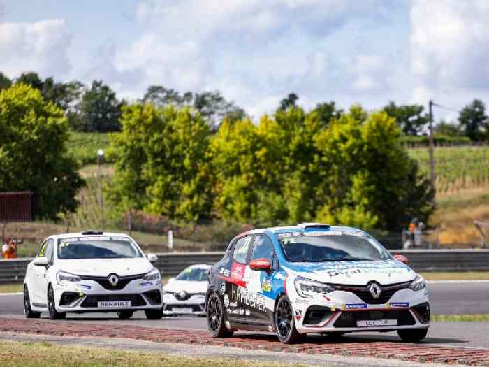 Clio cup 5